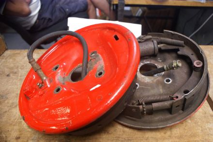 Pair,Front Inner Drum Brake Housing Assembly,Red Painted,GM,Used